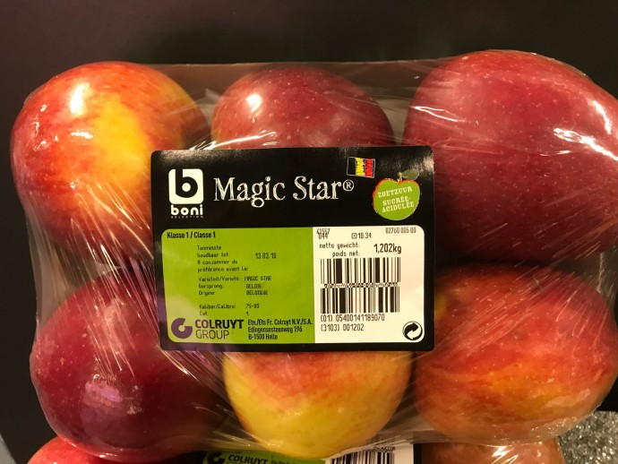 Eerste Magic Star-appelen in winkelrekken